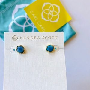 NWT Kendra Scott Logan Stud Earrings